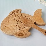 Kate Aspen Bamboo-Wood Fish-Shaped Cheeseboard and Spreader