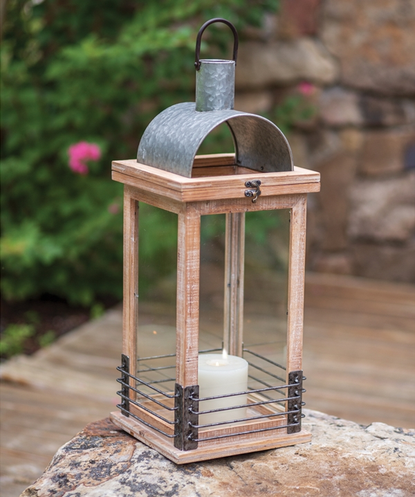 CTW Home Collection Wood and Metal Modern Farmhouse Lantern