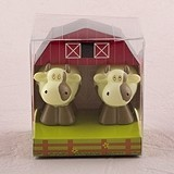 Weddingstar Miniature Cow Candles in Novelty Barn Gift Box (Set of 2)