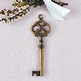 Weddingstar Double-Hearts Design Antique Key Charms (Package of 6)