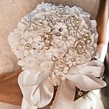 Weddingstar Couture Brooch Bridal Bouquet in White