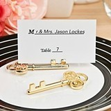 FashionCraft Ornate Shiny Gold Skeleton-Key Place Card Holder