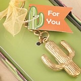 FashionCraft Gold-Colored-Metal Cactus Design Key Chain