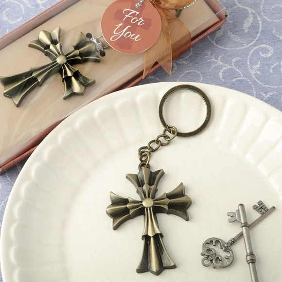 FashionCraft Antiqued Gold Finish Metal Flared Cross Design Key Chain
