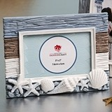 FashionCraft Beach-Themed Photo Frame Adorned with White Seashells