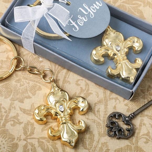 FashionCraft Gold-Finish Fleur De Lis Key Chain