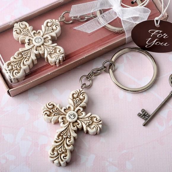 FashionCraft Baroque Design Vintage Cross-Themed Key Chain