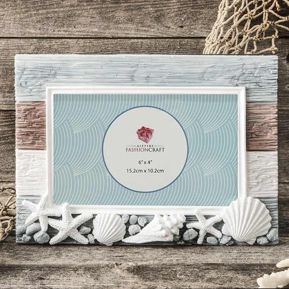FashionCraft Charming Beach-Themed Horizontal 6x4 Frame with Shells