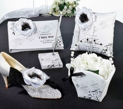 """""""I Thee Wed"""" Design Wedding Accessories Collection"""