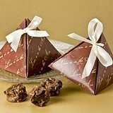 """Artisano Designs """"Love is in the Air"""" Favor Boxes (24 Pack)"""