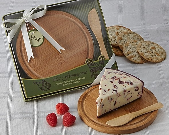 """La Fromagerie"" Bamboo Cheese Board and Spreader"