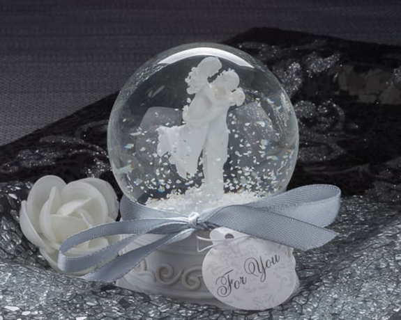 "Artisano Designs ""Forever In Love"" Couple Snow Globe Favor"