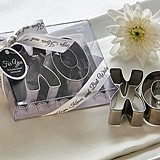 """Hugs & Kisses and Best Wishes"" XO-Design Cookie Cutter Set"